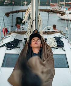10 Tips For Sleeping On a Boat